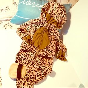 Cute tiger two piece